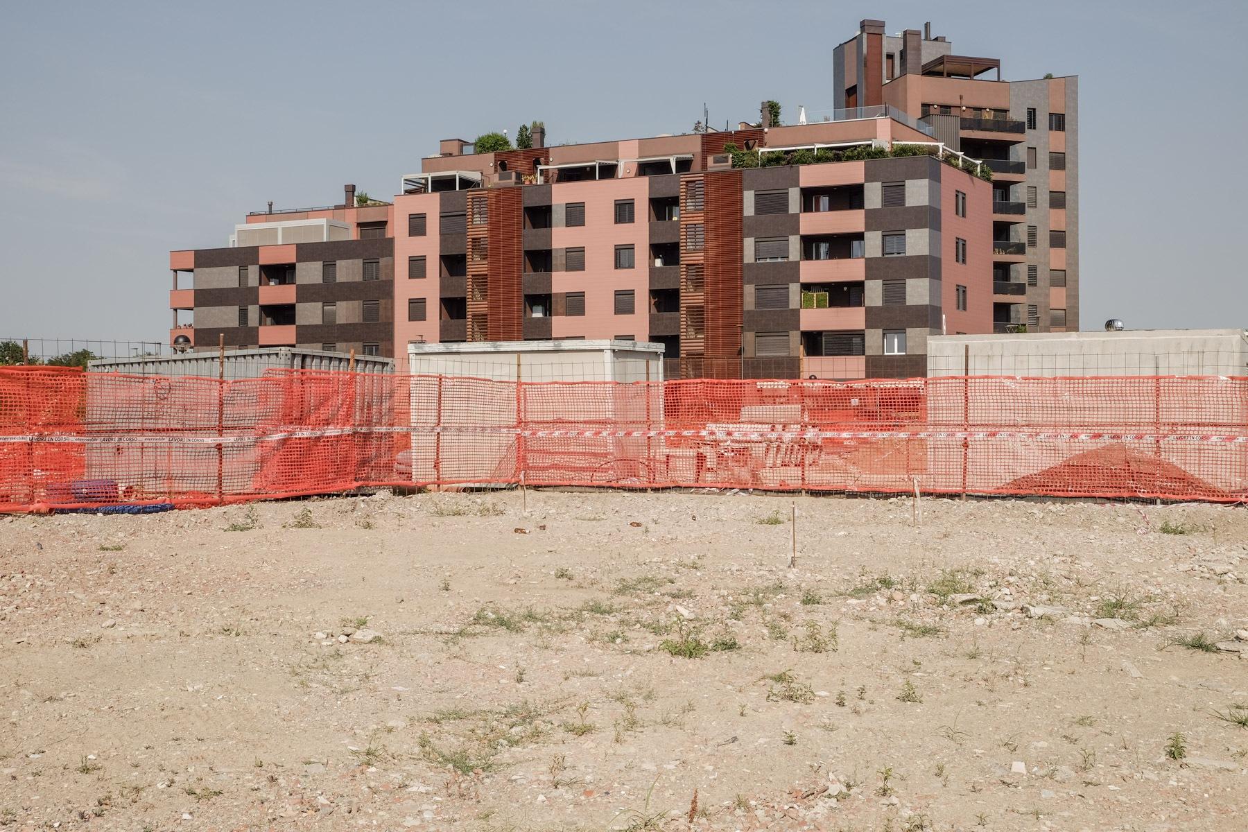 comparto Bertalia Lazzaretto. Il progetto prevede 2000 abitazioni, uffici e spazi dell' Università. Cantiere  aperto dal 2012, i residenti lamentano carenza di collegamenti e di parcheggi adeguati