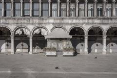 Venezia, novembre 2020. Il prolungarsi dell'emergenza Covid sta modificando fisionomia ed economia delle città.