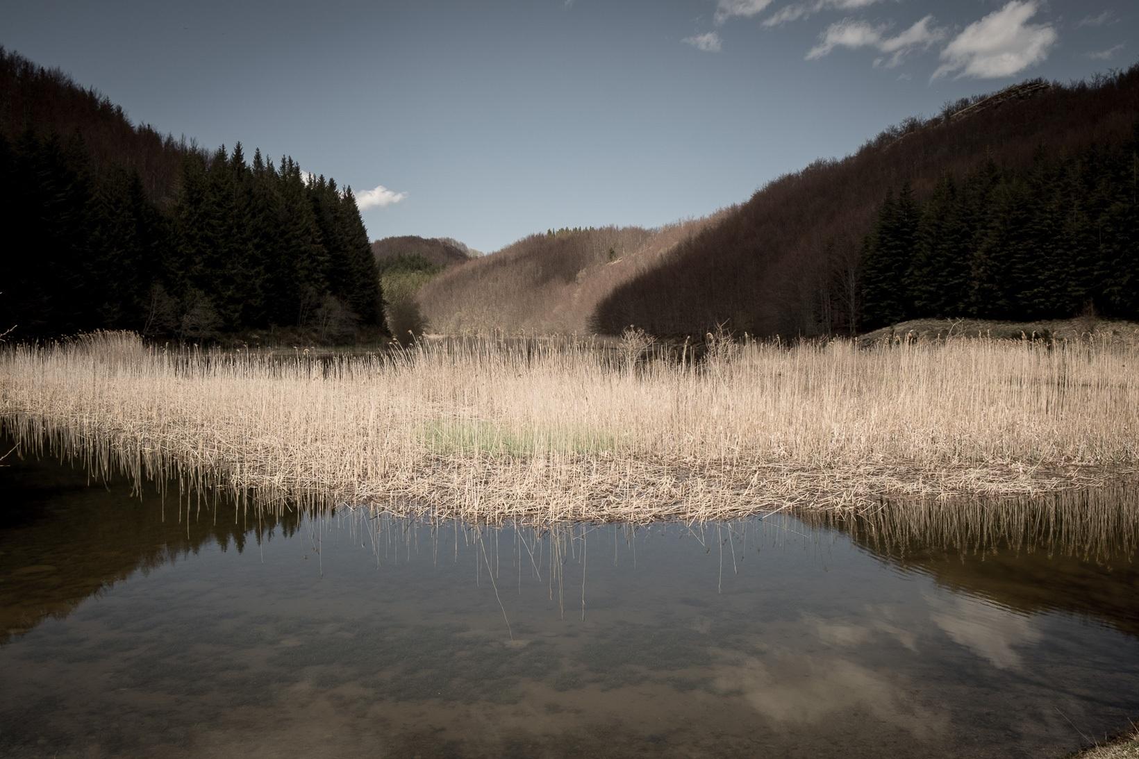 Monti-della-Riva-lago-di-Pratignano.-Nel-settembre-del-1944-sostò-il-grosso-contingente-di-partigiani-che-si-ritirava-da-Montefiorino