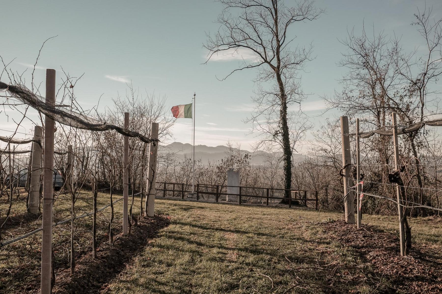 Lungo-il-Piave-luogo-simbolo-per-l'-Italia-a-causa-delle-battaglie-combattute-durante-la-Prima-Guerra-mondiale.-L'Italia-era-un-Paese-unito-da-meno-di-cinquantanni